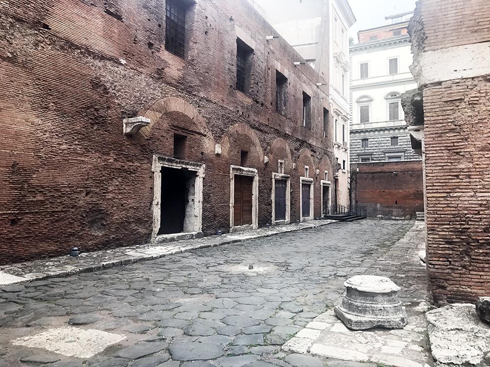 trajan-market-shops